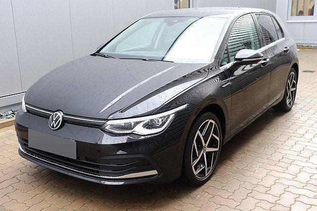 Volkswagen Golf - VIII 1.5 eTSI DSG Hybrid Style Navi,LED,Activ