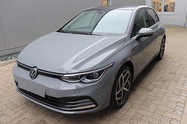 Volkswagen Golf - VIII 1.5 TSI Style Navi,Pano,LED,LM18,Active