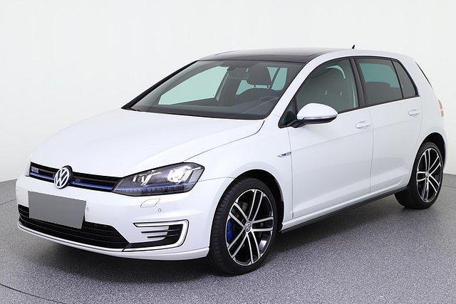 Volkswagen Golf - VII GTE 1.4 TSI DSG LED Pano Navi App Connect