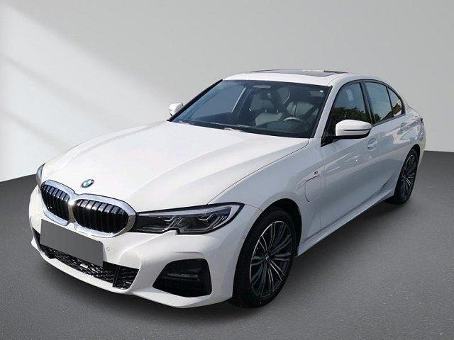 BMW 3er - 330e M Sport Automatik Innovationsp. Aut.