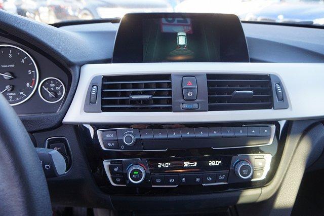 BMW 3er Touring - 318 d Touring*Navi*PDC*Sitzheizung*LED*