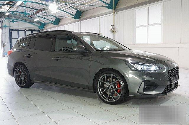Ford Focus Turnier - 2,3 ECOBOOST ST STYLING-PAKET PERFORMANCE NAVI LED BO LM19