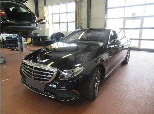 Mercedes-Benz E-Klasse - E 300 de Exclusive designo Abstandstemp. LED Pan