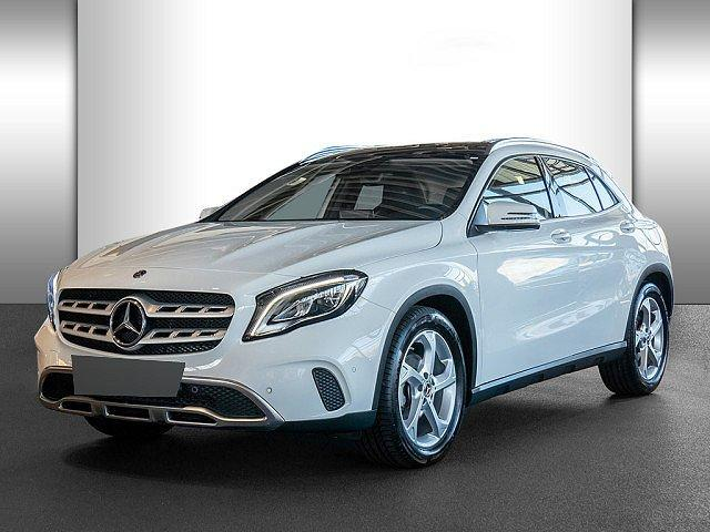 Mercedes-Benz GLA - 180 Urban AHK Pano Navi LED+ Totw. SHZ PTS