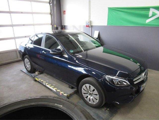 Mercedes-Benz C-Klasse - C 200 d LED Navi SHZ Einparkh. Parkassist. Klima