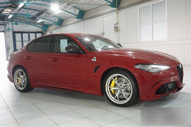 Alfa Romeo Giulia - 2,9 V6 BI-TURBO QUADRIFOGLIO AUTOMATIK MJ 21