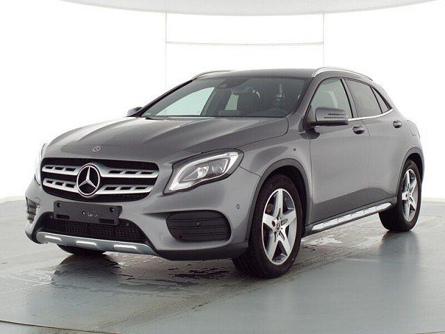 Mercedes-Benz GLA - 200 AMG Line LED Navi Kamera AHK 18