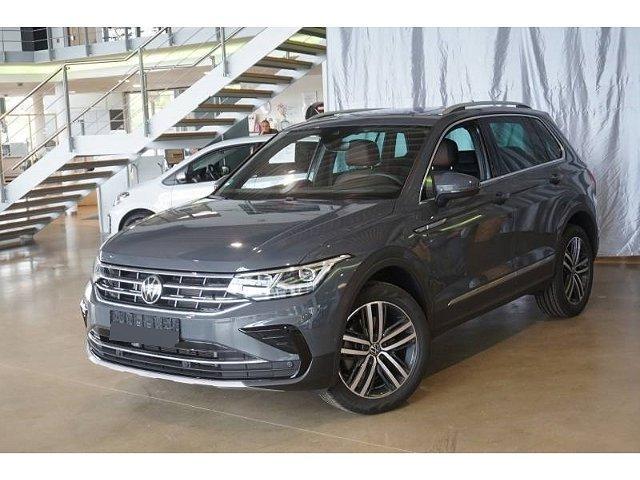 Volkswagen Tiguan - FIRST EDITION 4Mot TDI*200PS Panodach AHK
