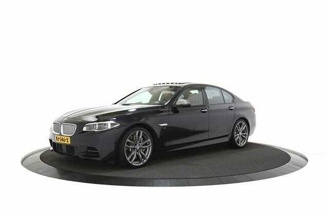 BMW 5er - M550 xd HEADLEDBampOSCHUIFDAK