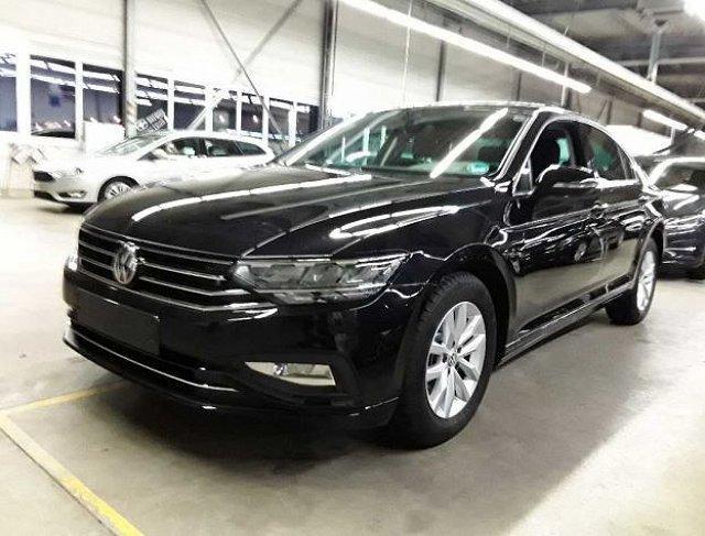 Volkswagen Passat - 2.0 TDI DSG Business ACC/LED/Navi/AHK