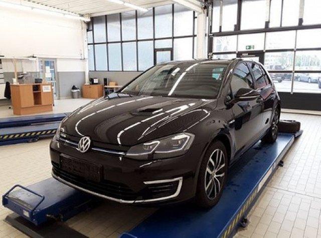 Volkswagen Golf - e-Golf DAB Active Info CCS W rmepumpe 17 Zoll