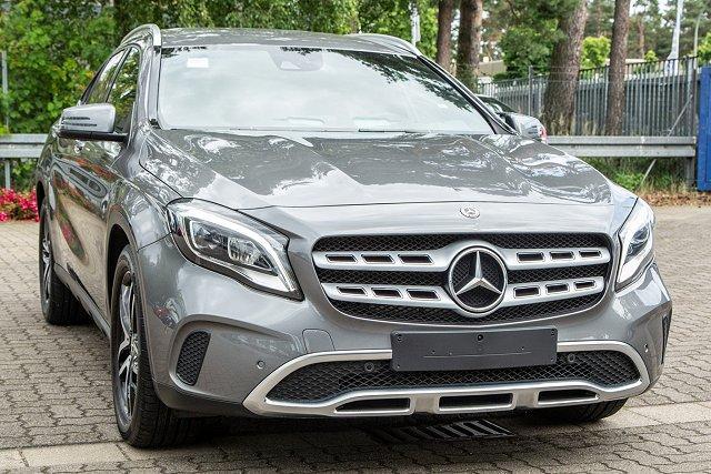 Mercedes-Benz GLA - 180 URBAN *+AHK+STANDHZ+NAVI+KAMERA+LED+SHZ*