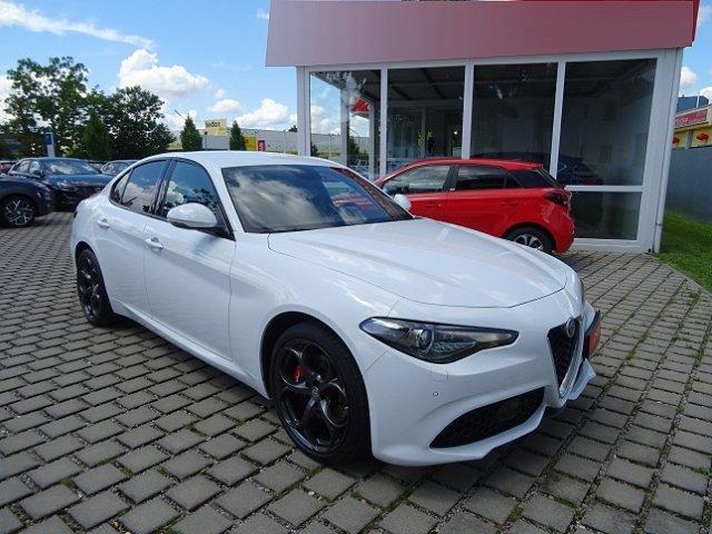 Alfa Romeo Giulia - Veloce Q4 2.0 Turbo 16V Leder Navi Keyless Dyn. Kurvenlicht e-Sitze El. Fondsitzverst.