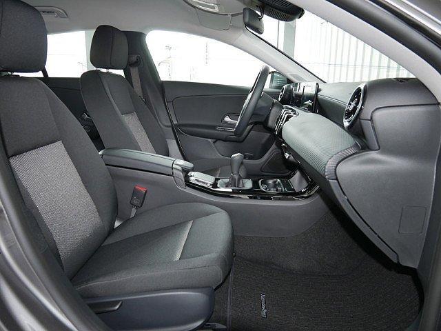 Mercedes-Benz CLA Shooting Brake - 180 SB Navi Kamera Spurh.-Ass. DAB SHZ Einpa