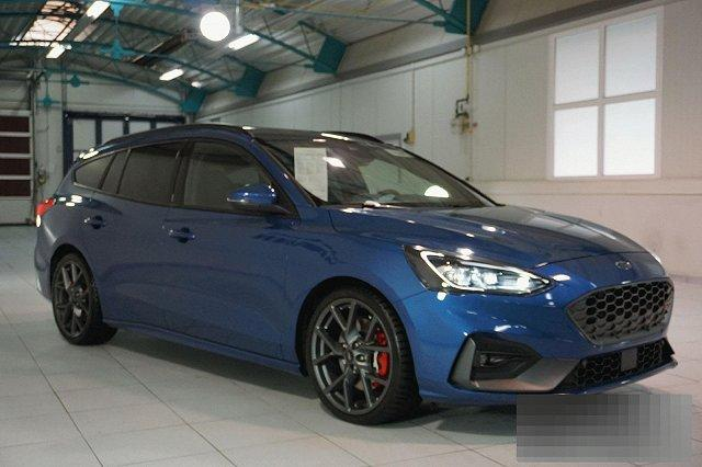 Ford Focus Turnier - 2,3 ECOBOOST AUTO. ST STYLING-PAKET PERF. NAVI LED-ADAPTIV PANO LM19