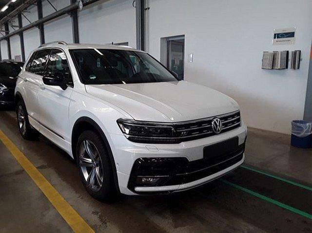 Volkswagen Tiguan - 2.0 TDI 4M DSG IQ.Drive R line LED ACC AHK