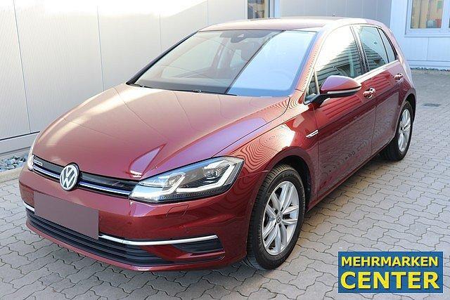 Volkswagen Golf - VII 1.5 TGI DSG Comfortline Navi,Standhz.,LED