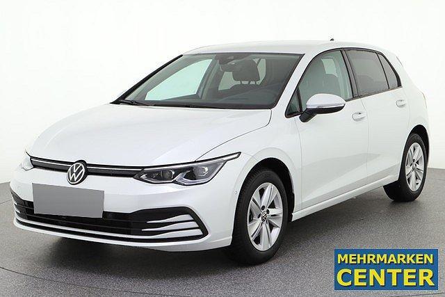Volkswagen Golf - 8 VIII 1.5 eTSI DSG Life ACC IQ.Light AHK Nav