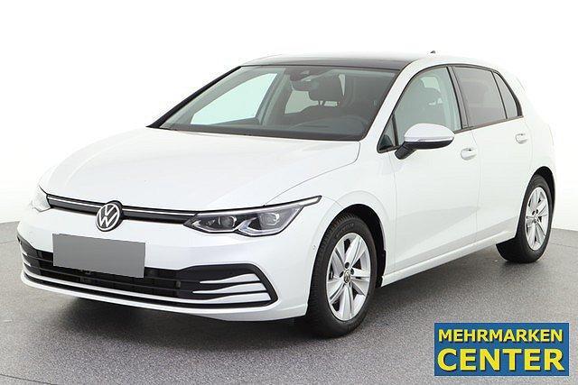 Volkswagen Golf - 8 VIII 1.5 eTSI DSG Life ACC IQ.Light Pano Na