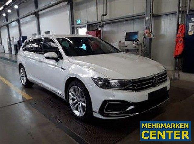 Volkswagen Passat Variant - 1.4 GTE DSG BAFA faehig AHK Standhzg. Assistenz Plus IQ Light 18 Zoll