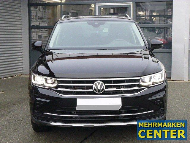 Volkswagen Tiguan - Elegance 4Motion TDI DSG +18 ZOLL+AHK+IQ
