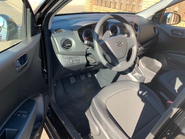 Hyundai i10 1.2 Klima Radio SCHWARZ