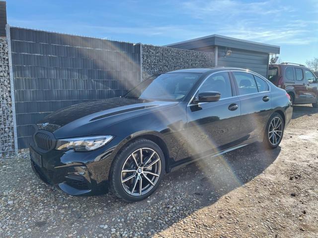 BMW 3er - i X-Drive M-Sport NAVI PANO 18