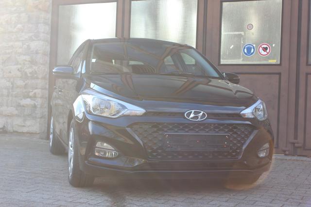 Hyundai i20 - Comfort 6d-TEMP Klimaauto Navi Kamera MF Spurra.