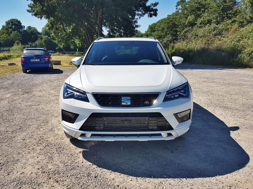 SEAT / Ateca FR Business / Weiß /  /  /