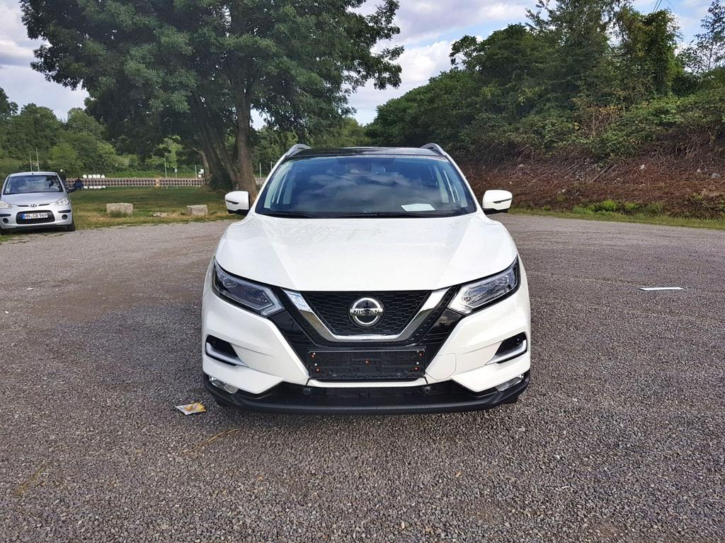 Nissan / Qashqai / Weiß /  /  /