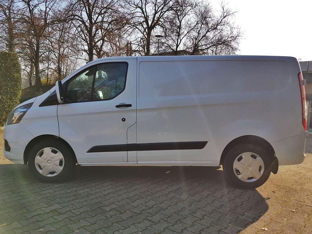Ford / Transit Custom /HU/ / Weiß /  /  /