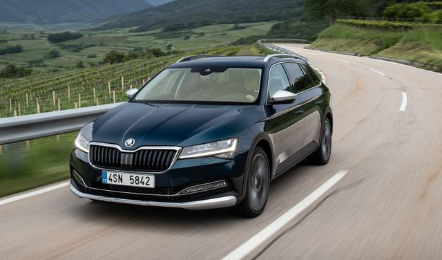 Skoda Superb Combi L&K 2.0 TDI Columbus Leder StHz Canton LED Matrix