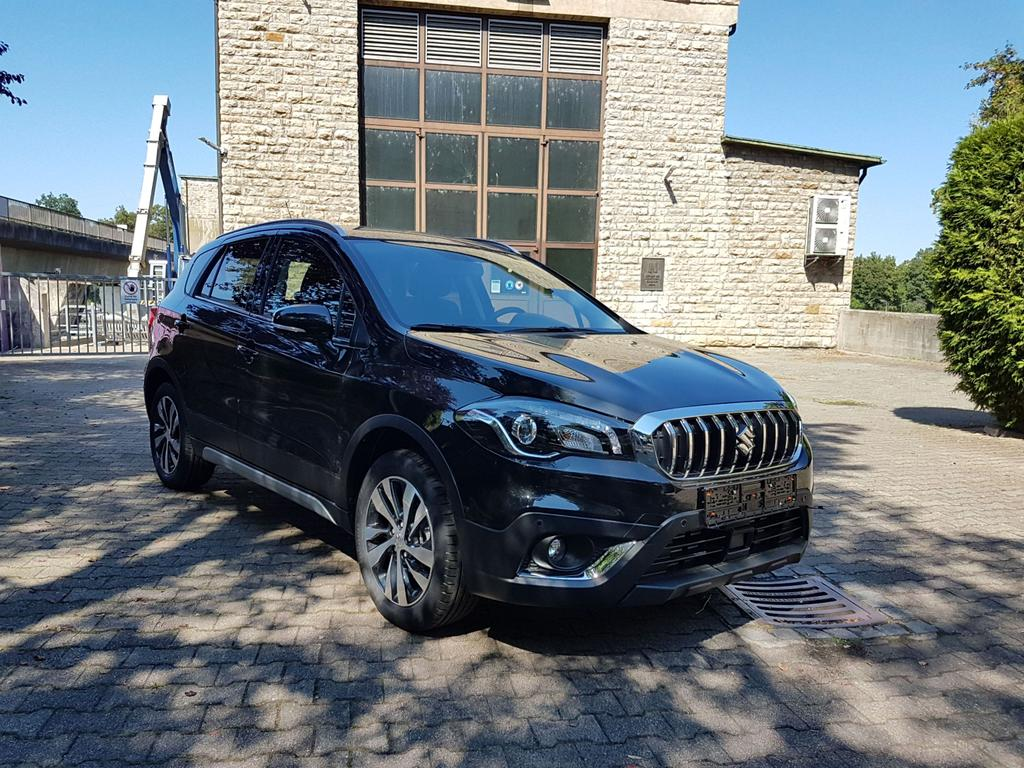 Suzuki / SX4 S-Cross /HU/ - ab Jan 2020 / Schwarz /  /  /
