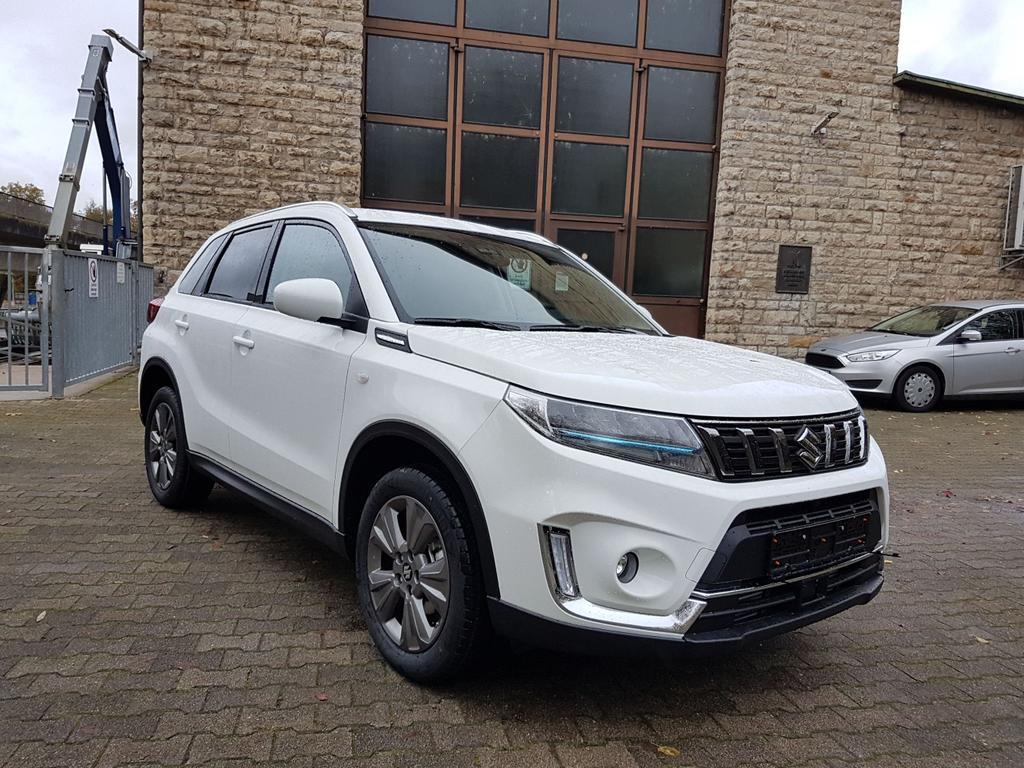 Suzuki / Vitara /HU/ - ab Jan 2020 / Weiß /  /  /