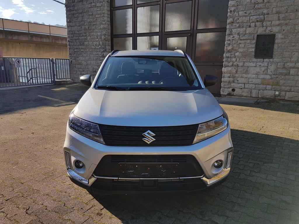 Suzuki / Vitara /HU/ - ab Jan 2020 / Silber /  /  /