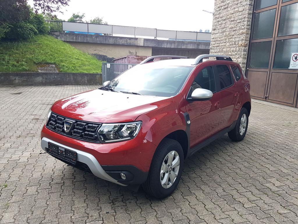 Dacia / Duster / Rot /  /  /