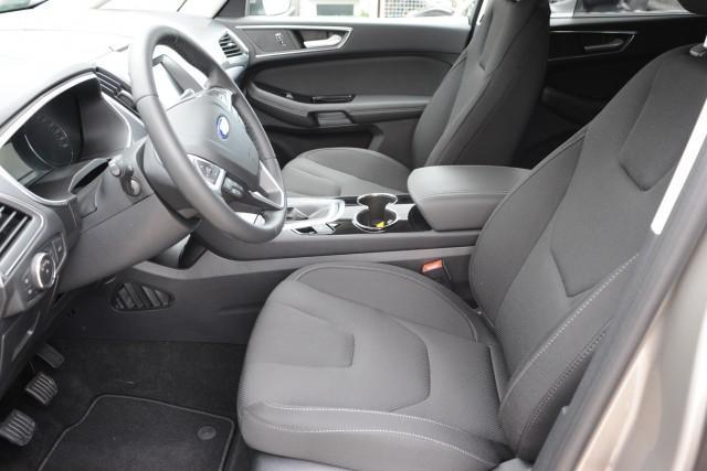 Ford S-MAX - 2.0 TDCi 110kW Titanium - Schwarz-Met.