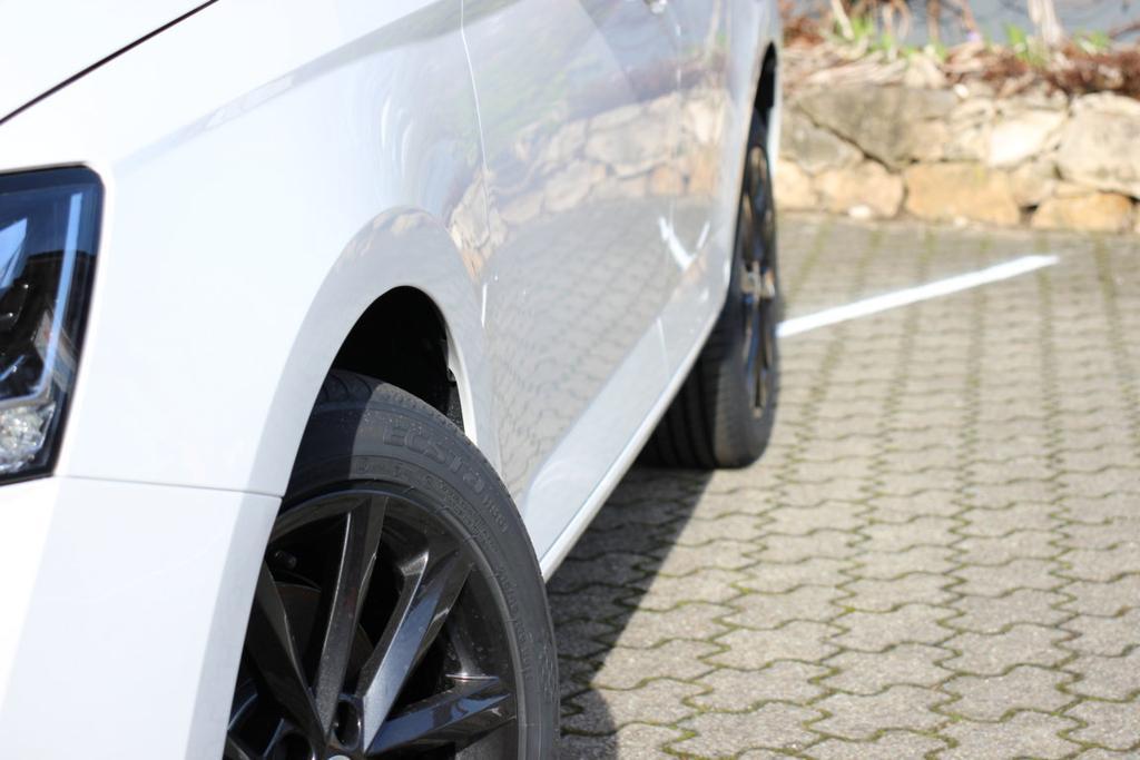 Skoda Fabia Black Pack Paket 2020 Limousine Combi Kombi 1.0TSI LED SMARTLINK