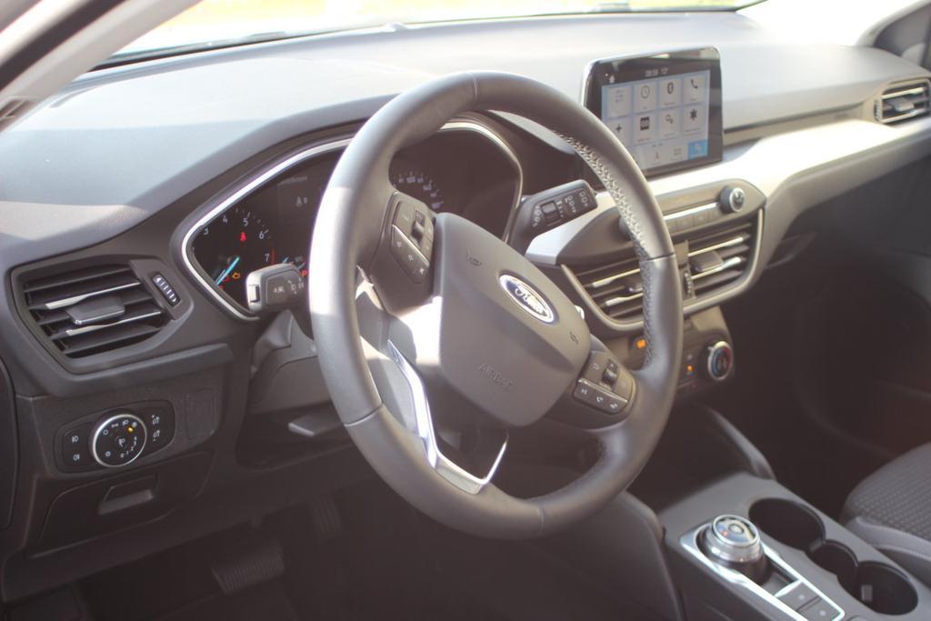 Ford; FOCUS; Limousine; Trend; Edition; Titanium; X; ST-Line; Navi; AHK; EU-Neuwagen; mit XXL-Rabatt; auf Lager; im Vorlauf; Bestellfahrzeuge; 2021; 2022;