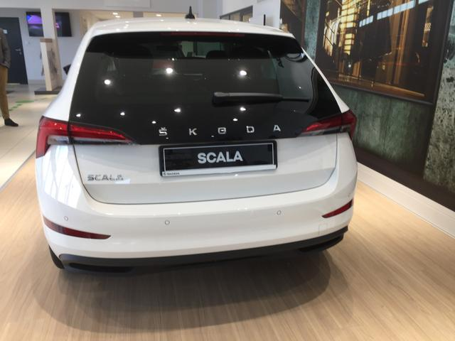 "Skoda Scala ""Style"" (1) 17-Zoll-Leichtmetallräder, LED-Scheinwerfer, Climatronic, Parksensoren hinten, Winterpaket, SunSet, Multifunktions-Lederlenkrad, Radio Bolero, Smart Link+, 4x elektr. Fensterheber, Easy Start, Außenspiegel anklappbar"