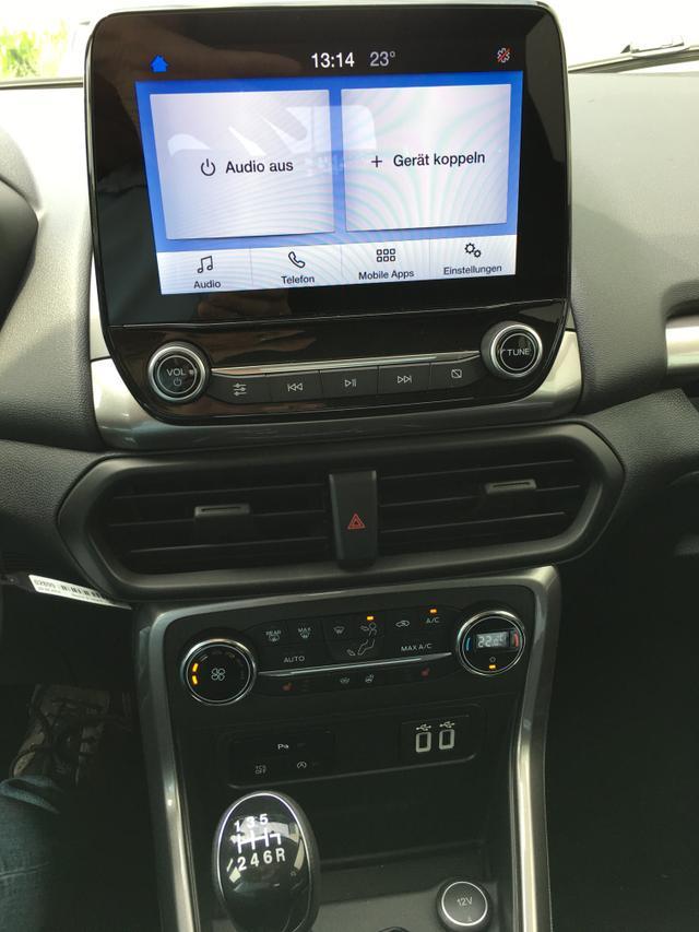 """Ford EcoSport """"Trend"""" (3) 1.0 Ecoboost 125PS, Frost-Weiß, Klimaautomatik, Audiosystem 8-Zoll-SYNC 3, Spiegel elektr. anklappbar, Parksensoren vorn/hinten, Winter-Paket, Abgedunkelte Scheiben hinten, Alarmanlage, Lederlenkrad, Nebelscheinwerfer"""