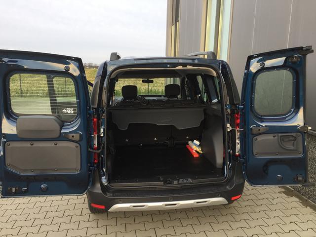 """Dacia Dokker """"Stepway"""" (5) 1.5 Blue dCi 95 inkl. DACHRELING KLIMA RADIO/USB/BLUETOOTH TEMPOMAT NEBELSCHEINW. SCHIEBETÜREN RE/LI ARMLEHNE FAHRER KLAPPTISCHE HINTEN ZENTRALVERRIEGELUNG MIT FERNBEDIENUNG ELEKTR. FENSTERHEBER VO 16"""" FLEXWHEEL"""