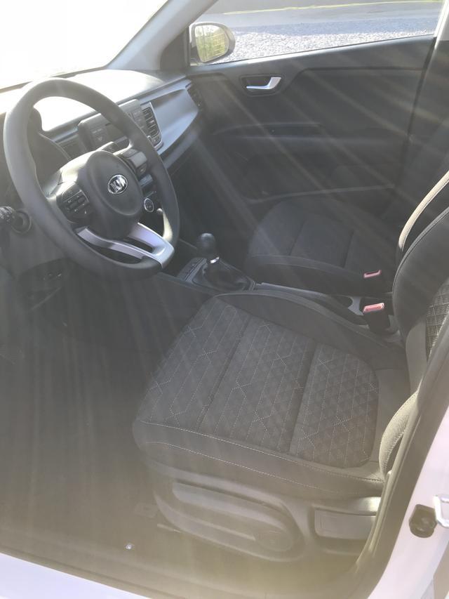 """Kia Rio """"Silver"""" (2) 5-Türer, Klimaanlage, Alarmanlage, Lichtsensor, Radio-USB, Zentralverriegelung mit Fernbedienung, elektrische Fensterheber vorne"""