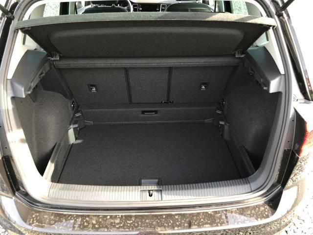 """Volkswagen Golf Sportsvan """"Edition Comfortline"""" (2) Leichtmetallräder, Parksensoren vorne und hinten, Radio Composition Media, Adaptiver Tempomat ACC bis 210km/h, Licht-/Sicht-Paket, Climatronic, Multifunktions-Lederlenkrad, Nebelscheinwerfer, Reserverad, Front Assist"""