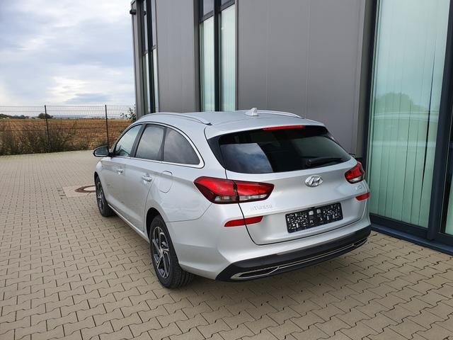 "Hyundai i30 Kombi - ""Smart"" (Trend ) (1) 1.6 CRDi 115PS inkl. BI-LED-SCHEINW. 2-Z-KLIMA RADIO/USB/BT/DAB/ANDROID AUTO/APPLE CARPLAY SITZ-/LENKRADHEIZUNG INDUKT. LADESTATION TEMPOMAT PS VO/HI KAMERA LICHTSENSOR FERNLICHTASS. LED-TAGFAHRLICHT NEBELSCHEINW. ALARM MITTELARML. VO HI 16""ALU Bestellfahrzeug, konfigurierbar"