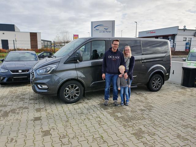 Uebergabe an Kunde Brandt Ford Tourneo Custom Reimport guenstig kaufen