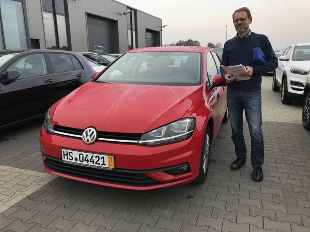Uebergabe an Kunde Friedrich VW Golf VII Reimport guenstig kaufen