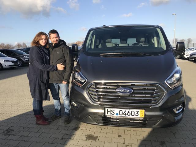 Uebergabe an Kunde Meyer Ford Tourneo Custom Reimport guenstig kaufen
