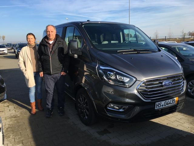 Uebergabe an Kunde Ochs Ford Tourneo Custom Reimport guenstig kaufen