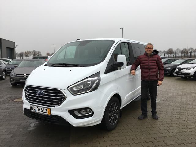 Uebergabe an Kunde Rieser Ford Tourneo Custom Reimport guenstiger kaufen